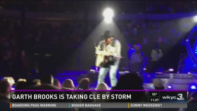 Garth Brooks takes Cleveland by storm